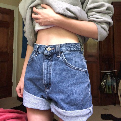 82cf65f93a @lpanteledes. in 20 hours. West Newbury, United States. cute and vintage  looking mom shorts!