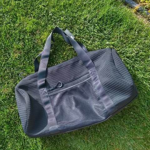 fc08e7c15e BRAND NEW W/ TAGS! black duffle bag from Forever 21 ⚫ Great - Depop