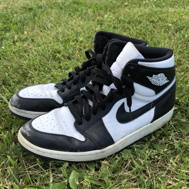 87b57af1a2507 OG black and white Jordan
