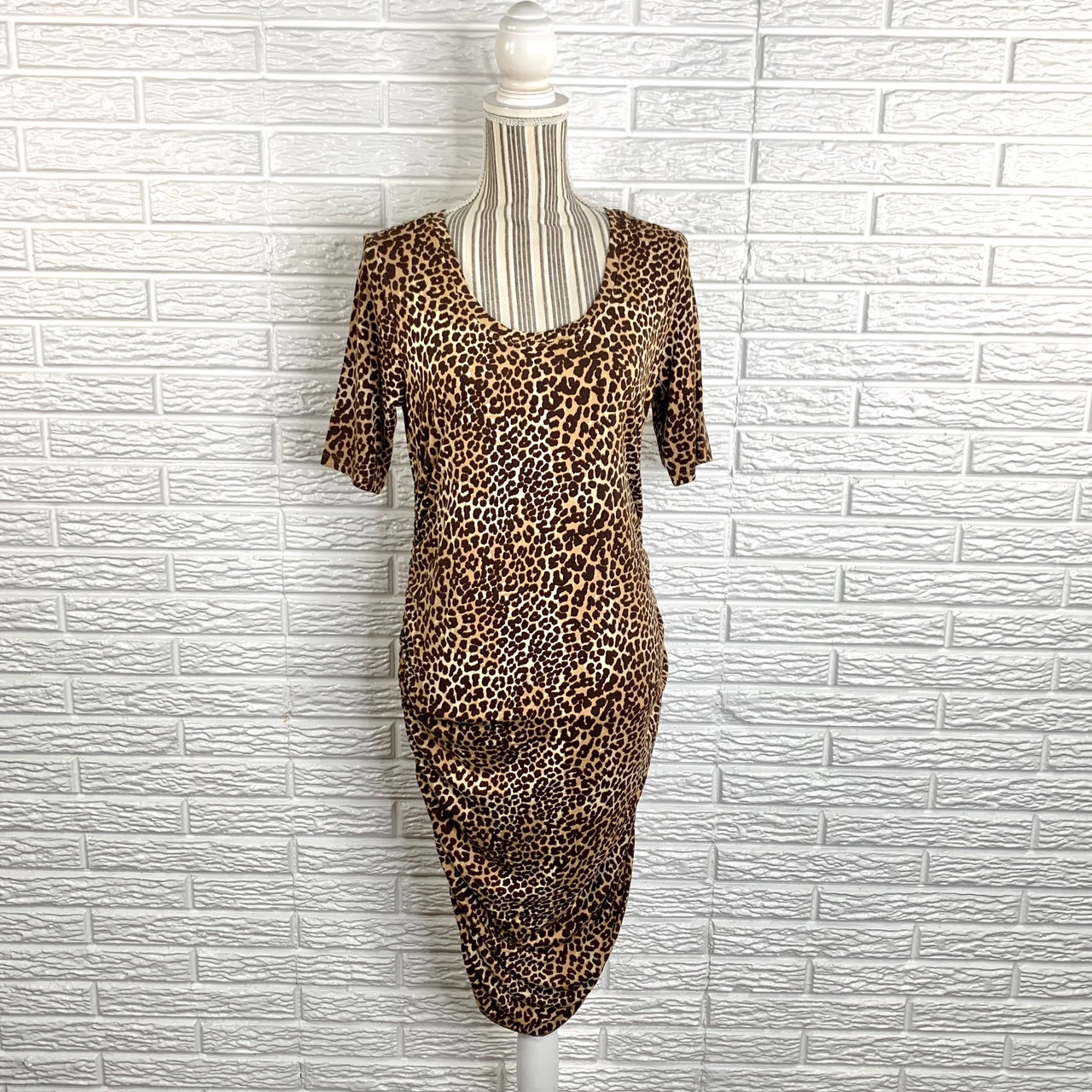 Product Image 1 - Leopard print bodycon dress with