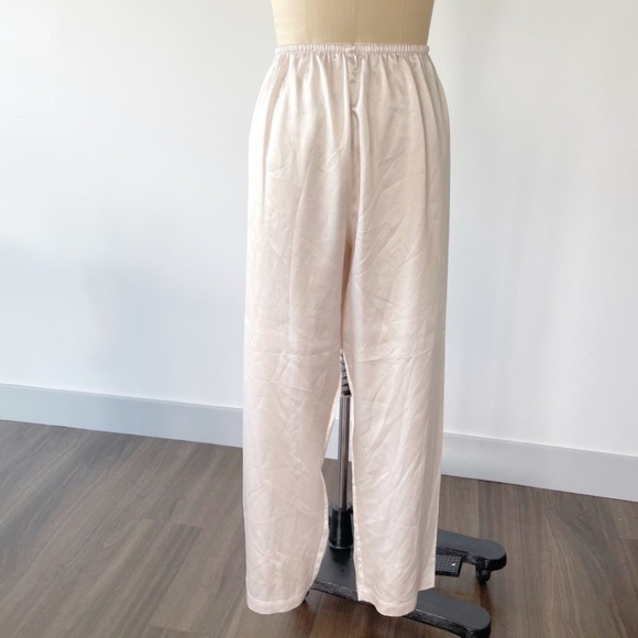 Product Image 1 - Vintage Pearly Pink Satin Trouser