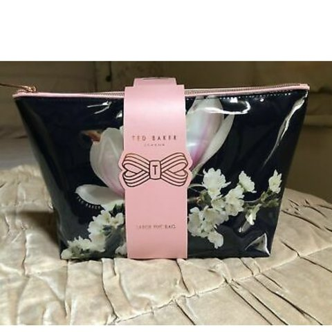 419ab726de BRAND NEW With Cover Ted Baker London Large Cosmetic rose - Depop