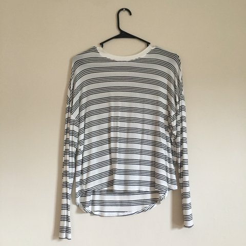 8d0b82a217 @wantstuffbutnomoney. 4 hours ago. Iowa City, United States. Long sleeved  white and black striped shirt.
