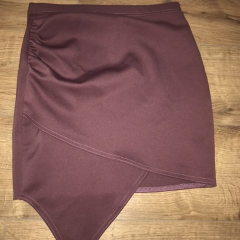 e6bf79e23a3d27 @marnierio16. 25 days ago. Paignton, United Kingdom. Boohoo burgundy /  purple wrap skirt. WORN ONCE
