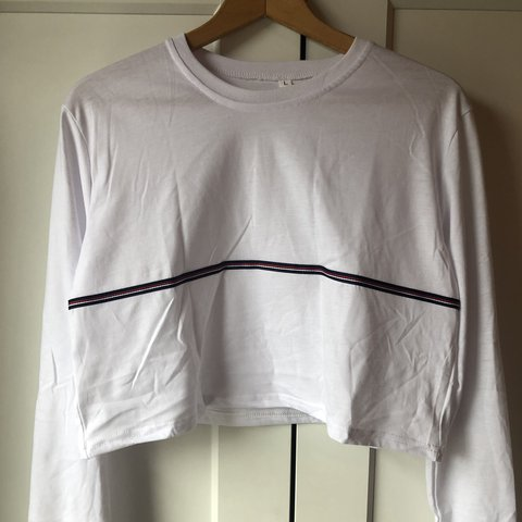 26292c979b @becisian. 10 days ago. Manchester, United Kingdom. Size Large White Shein  Top • Cropped ...