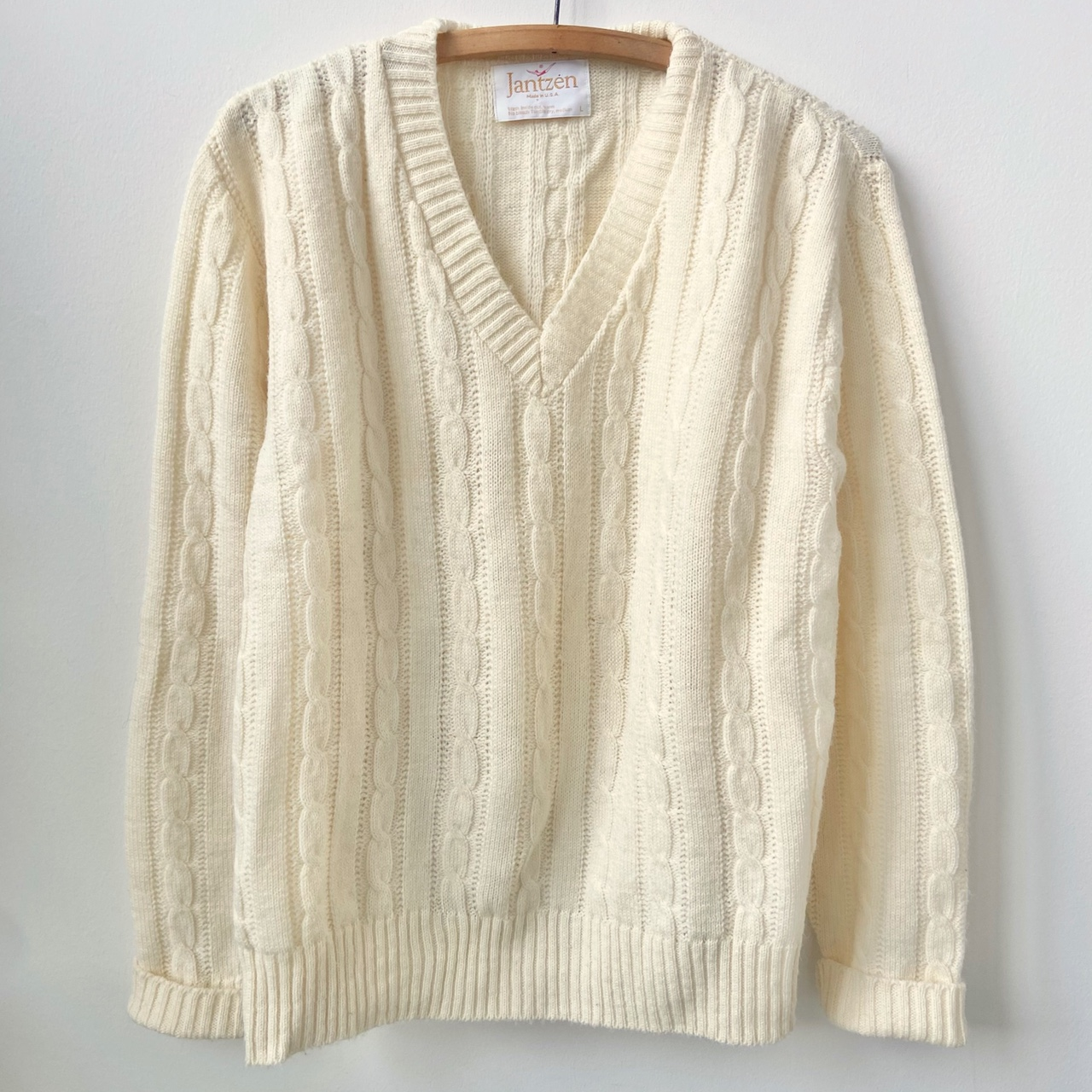 Product Image 1 - Vintage cream cable knit v