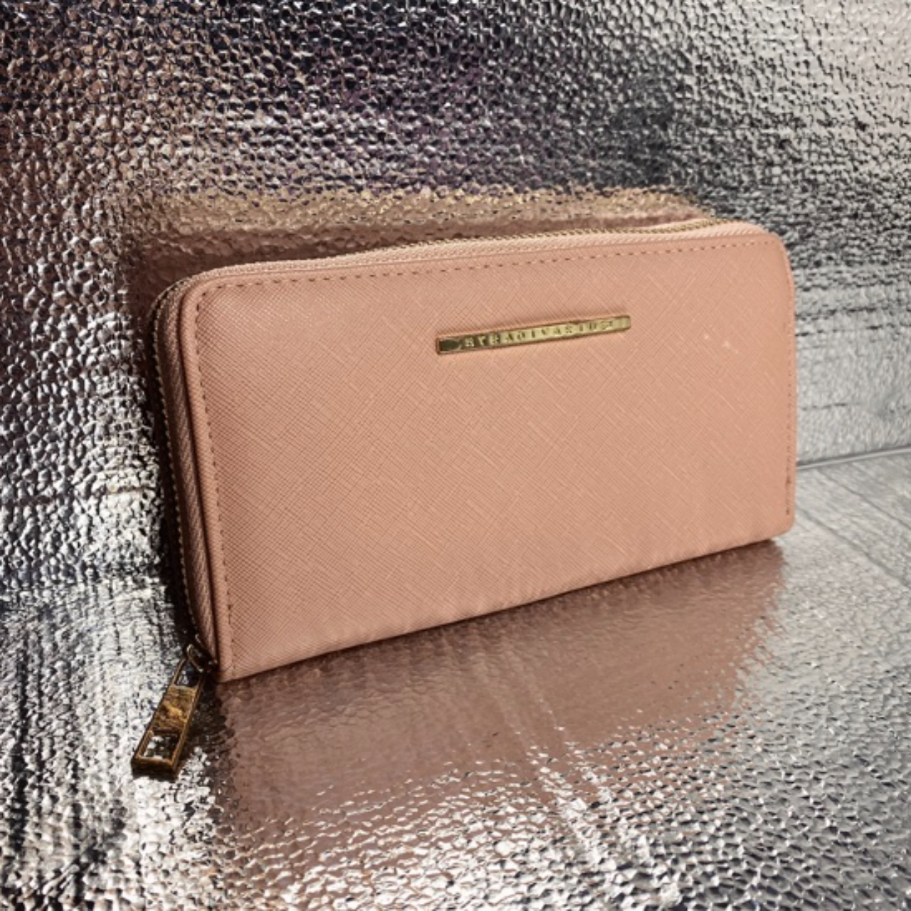 Product Image 1 - Cute new condition pink European