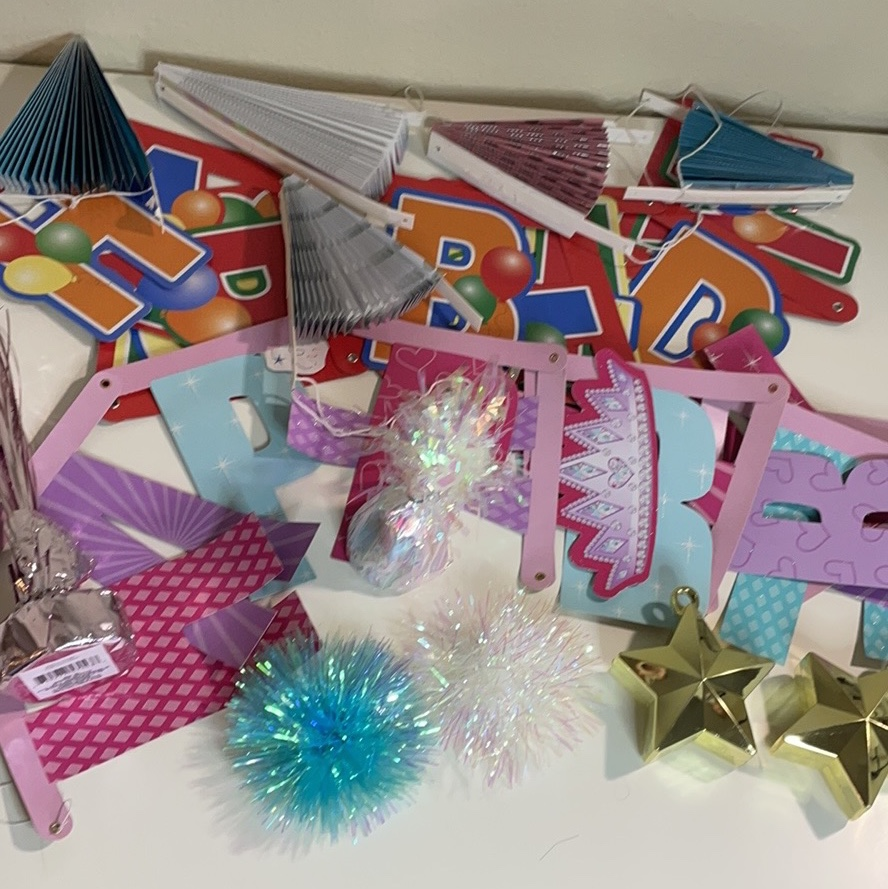 Product Image 1 - Bundle of birthday decorations. Includes