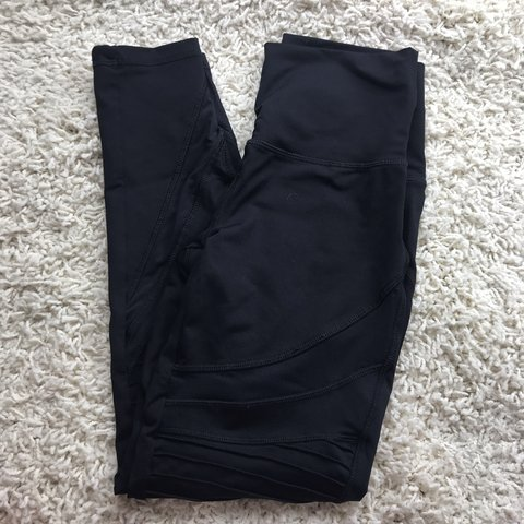 dffba417d78219 @cateclothes. in 3 hours. Hazleton, United States. • Aerie Black Moto  leggings. • High waisted. • No problems ...