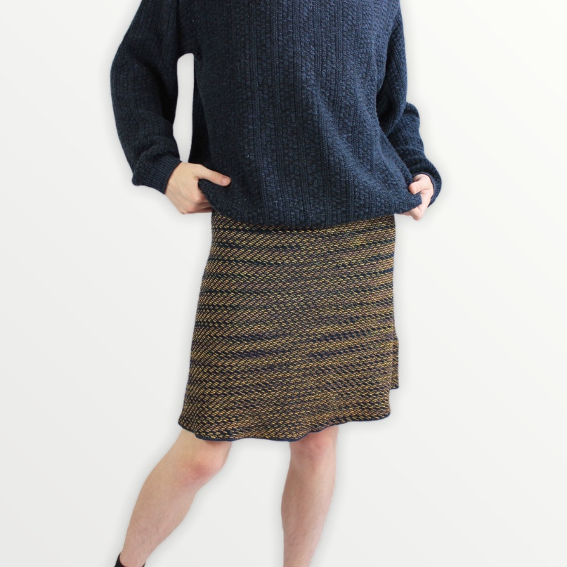 Product Image 1 - Vintage Navy/Gold Skirt by MISSONI  Size: