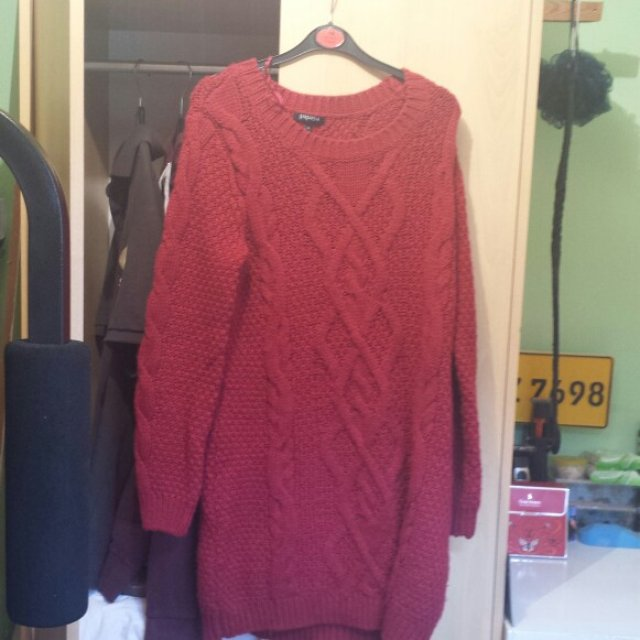 Ladies red woolen dress Originally from matalan Size 10/12 In great condition & perfect for winter as it's comfy and cosy