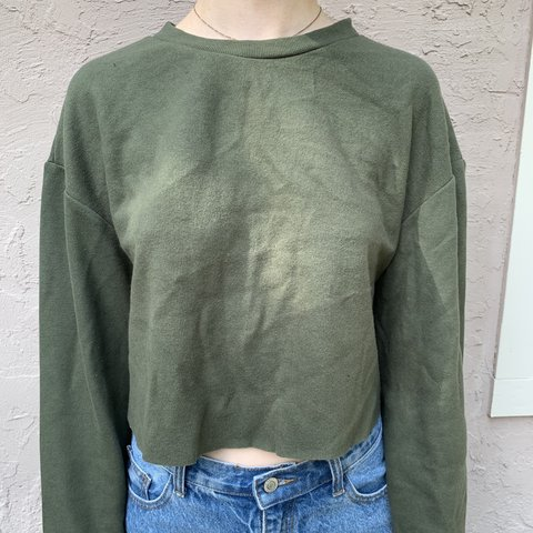 de0827f5 Zara Long Sleeve Baggy cropped olive green long worn with - Depop