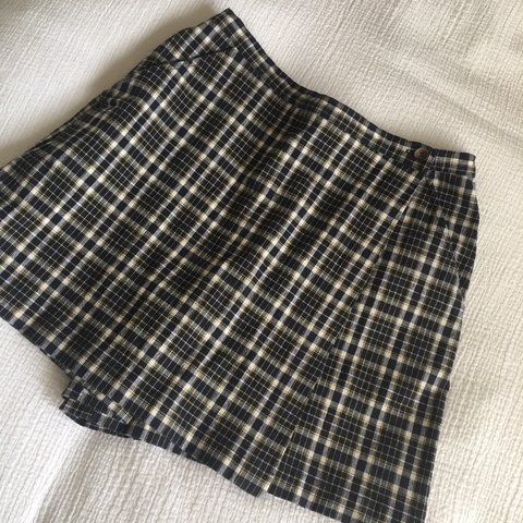 1d38e81b0 The cutest lil vintage plaid skort!! I love these colors and - Depop