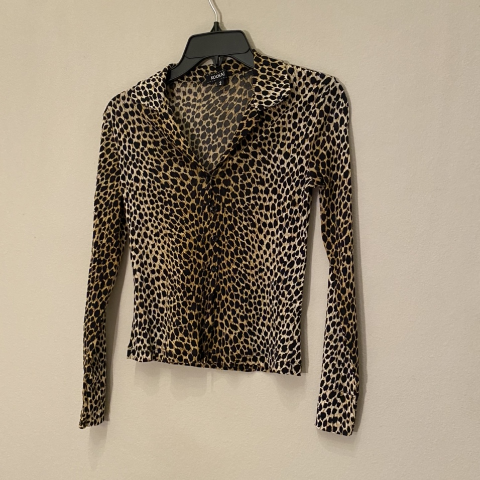 Product Image 1 - Animal print button up top