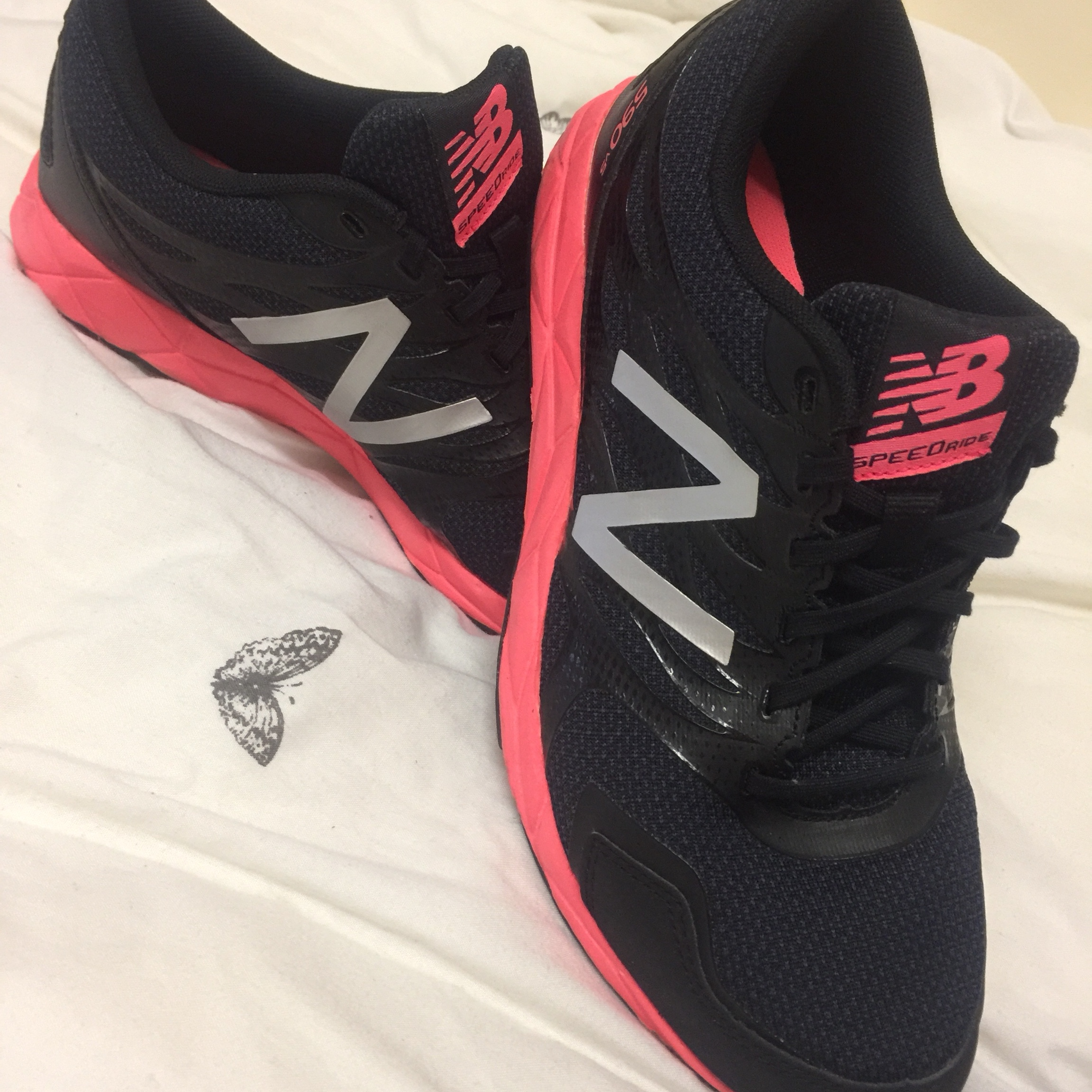 New Balance 590 v5 Running Trainers Size 6.5 One... - Depop