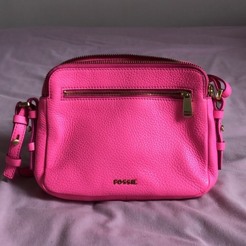 c3670197e REDUCED 🌟 Cheapest on depop Brand new pink fossil bag a a - Depop