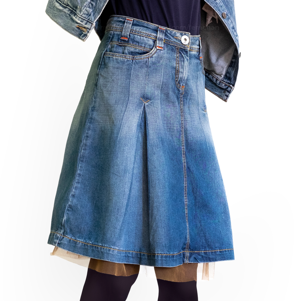 Product Image 1 - Gorgeous flared denim skirt with