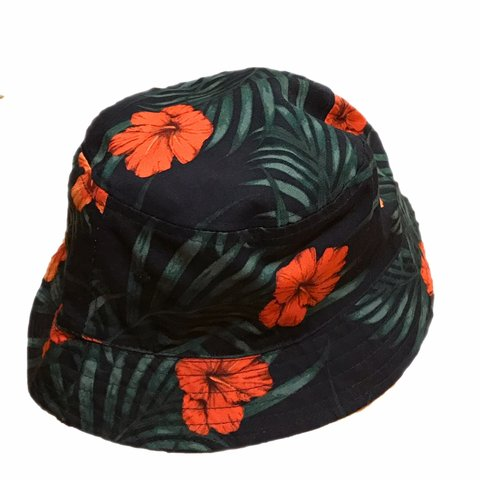4b44ea80be7ed Floral reversible bucket hat from h m never worn for any - Depop