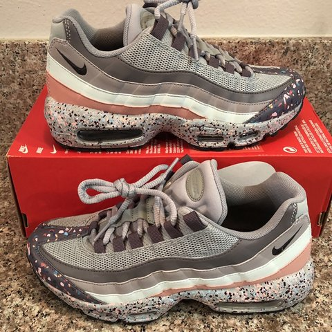 """733d2e0fe5 @dexpess. 8 days ago. Los Angeles, United States. New Without Box Women's  Nike Air Max 95 SE """"Confetti"""""""