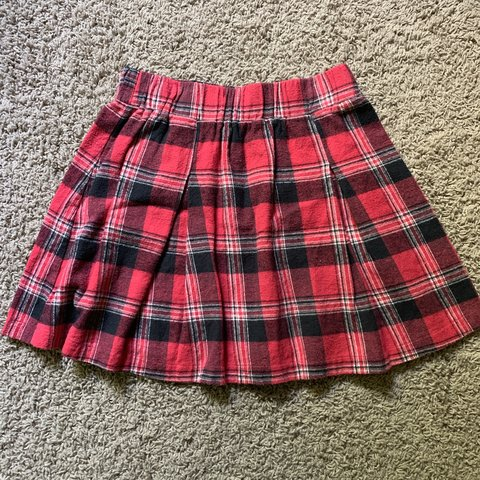 e75671656586 @hannahmundell. 2 months ago. Cedar Rapids, United States. red, black, and white  plaid skirt with elastic waistband. ...