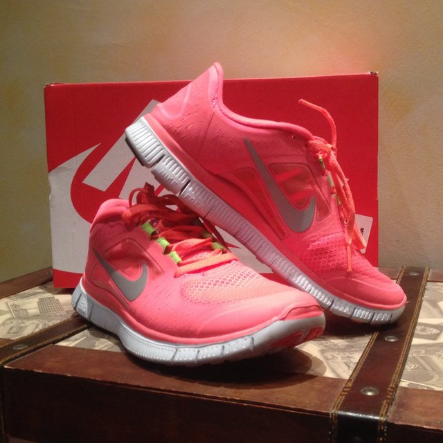 nike free rosa fluo. Black Bedroom Furniture Sets. Home Design Ideas