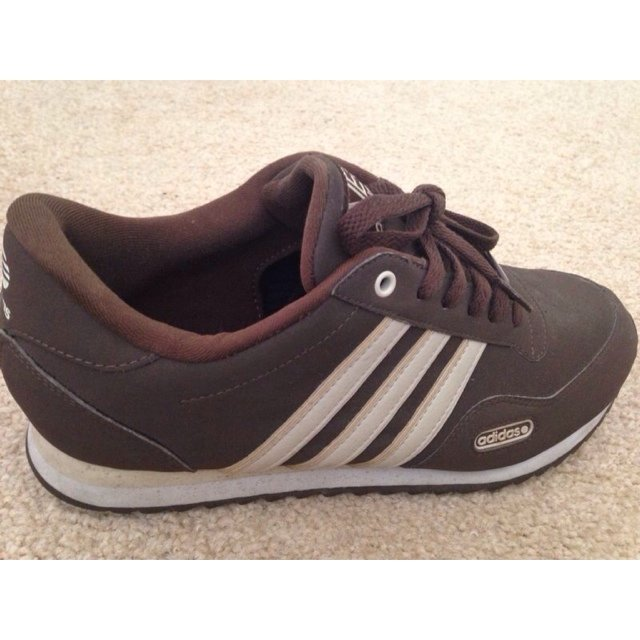 finest selection 62aa7 261fd Adidas Neo Brown