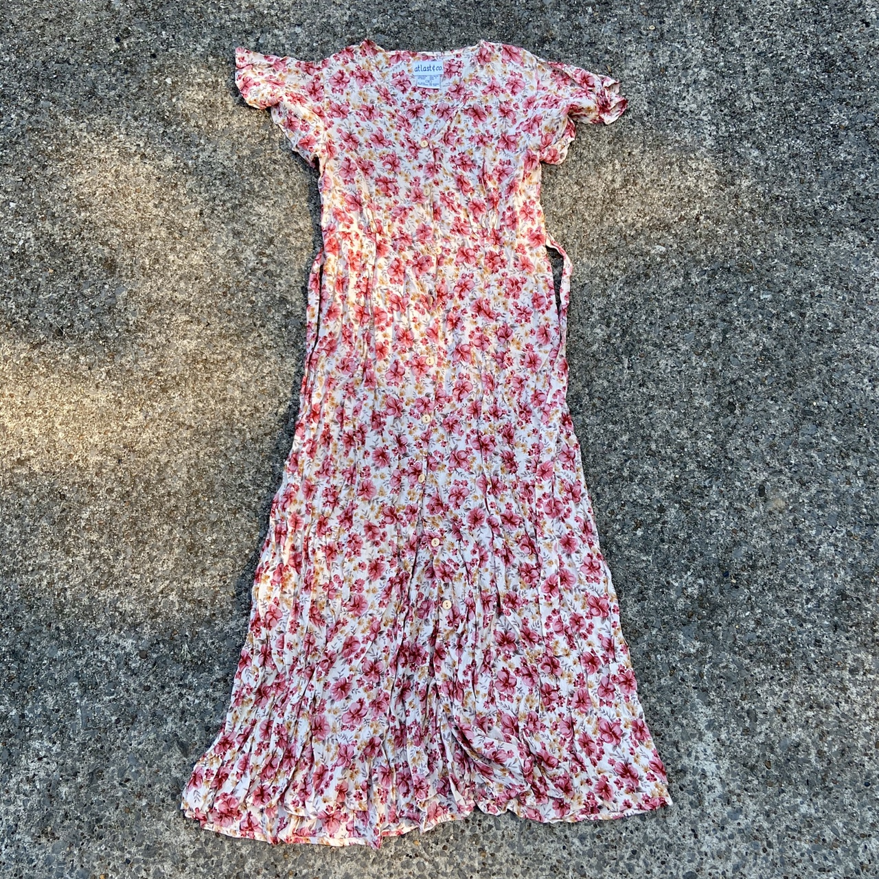 Product Image 1 - Vintage pink and red floral