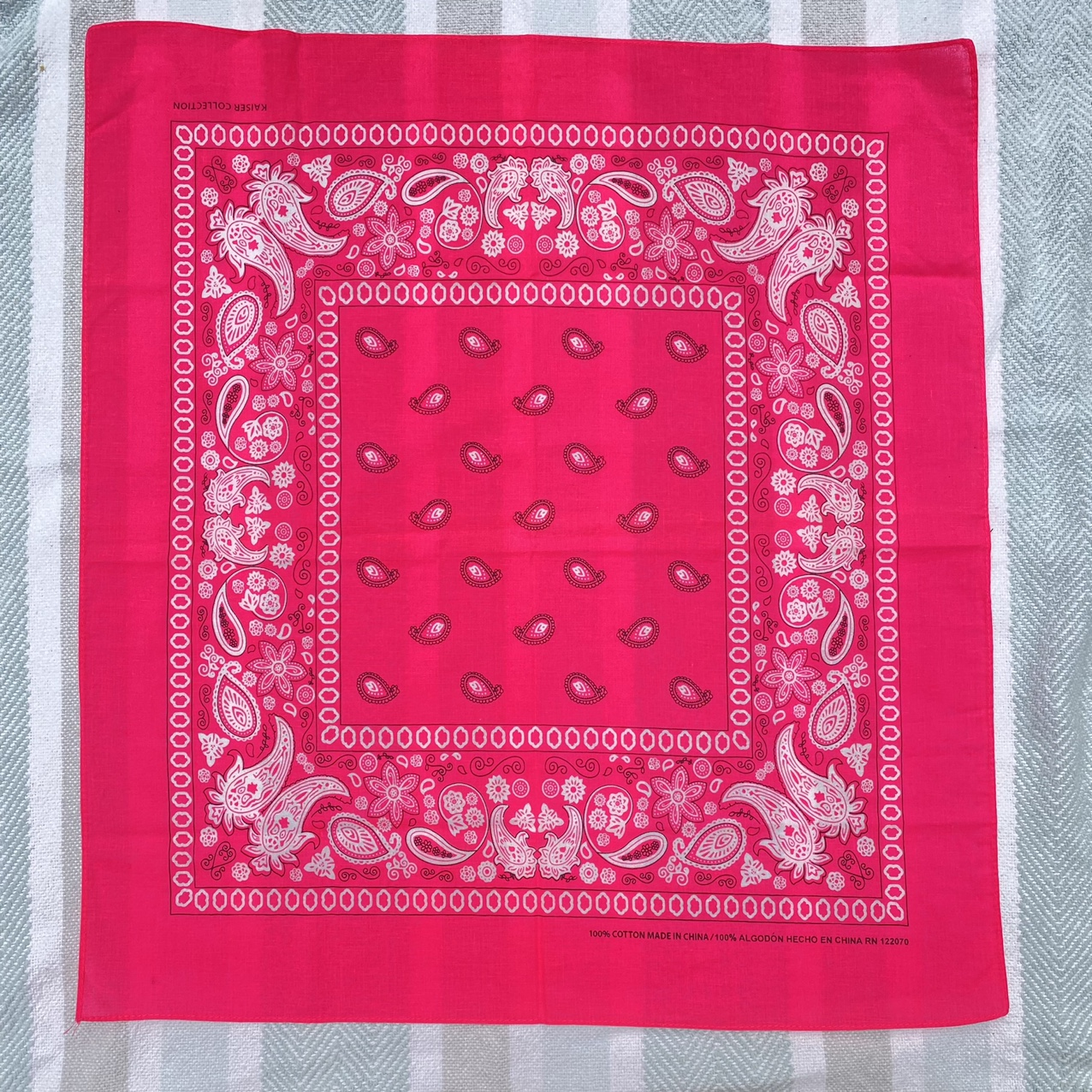 Product Image 1 - Hot neon pink classic paisley