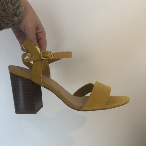 cc332ca7fc @eviewilliamsonn. 5 hours ago. Thetford, United Kingdom. Mustard yellow chunky  heel sandals size 5 from New Look ...