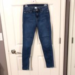 11913e5225ca 🧀mustard yellow skinny jeans🧀 comfy as heck !! i just - Depop