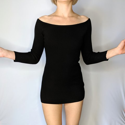 d36098acc Baby ribbed black dress with mid length sleeves. This hugs a - Depop