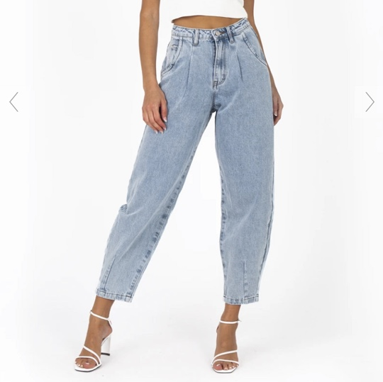 Product Image 1 - DISSH balloon jeans   Blue wash;