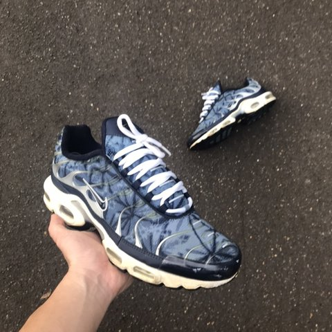 more photos c8724 3760e NIKE AIR MAX PLUS TUNED- 0