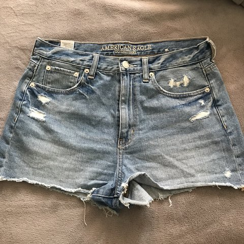 8aebd6bbe5a @nicolers. last month. San Jose, United States. American Eagle light wash,  distressed, denim shorts. Good Condition