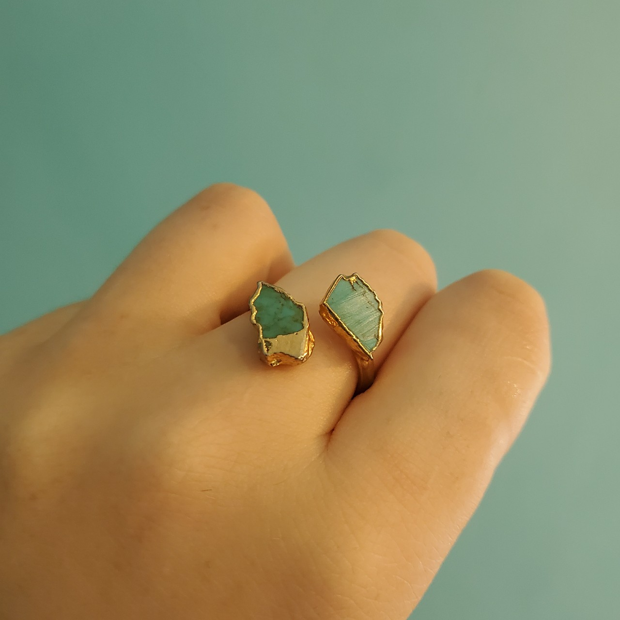 Product Image 1 - FAUX GOLD AND TURQUOISE RING