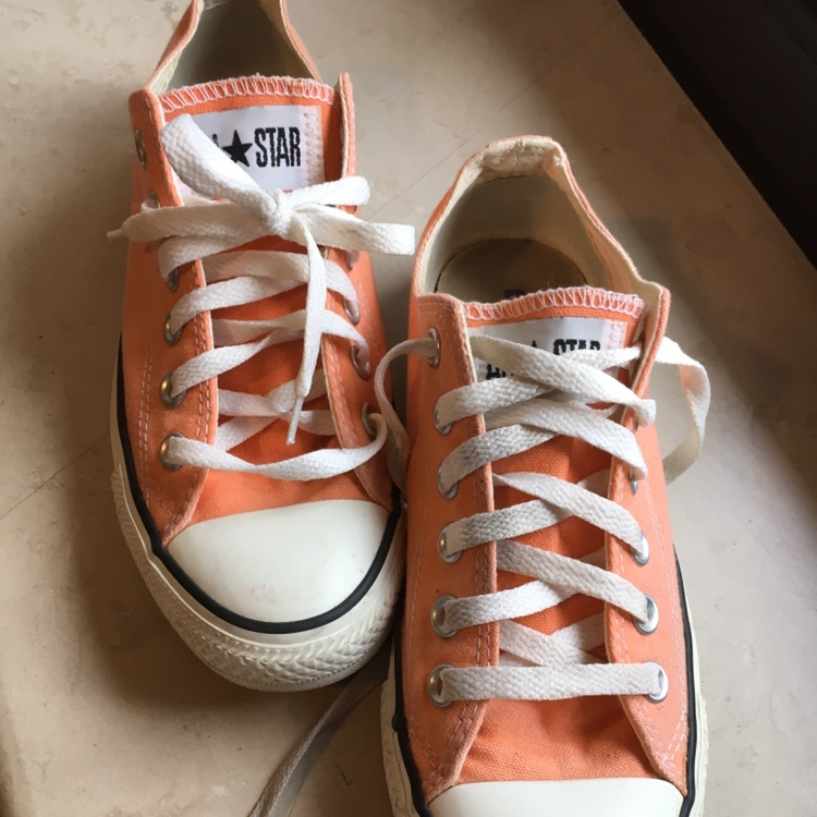 Sneakers converse basse color salmone. Usate ma in... - Depop
