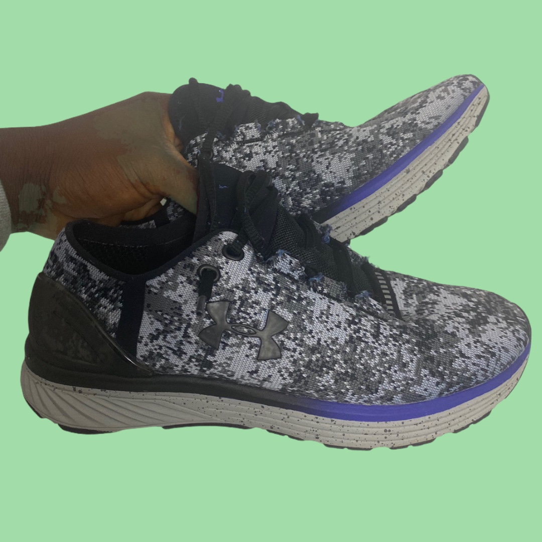 Product Image 1 - Women's under armour sneakers. Size