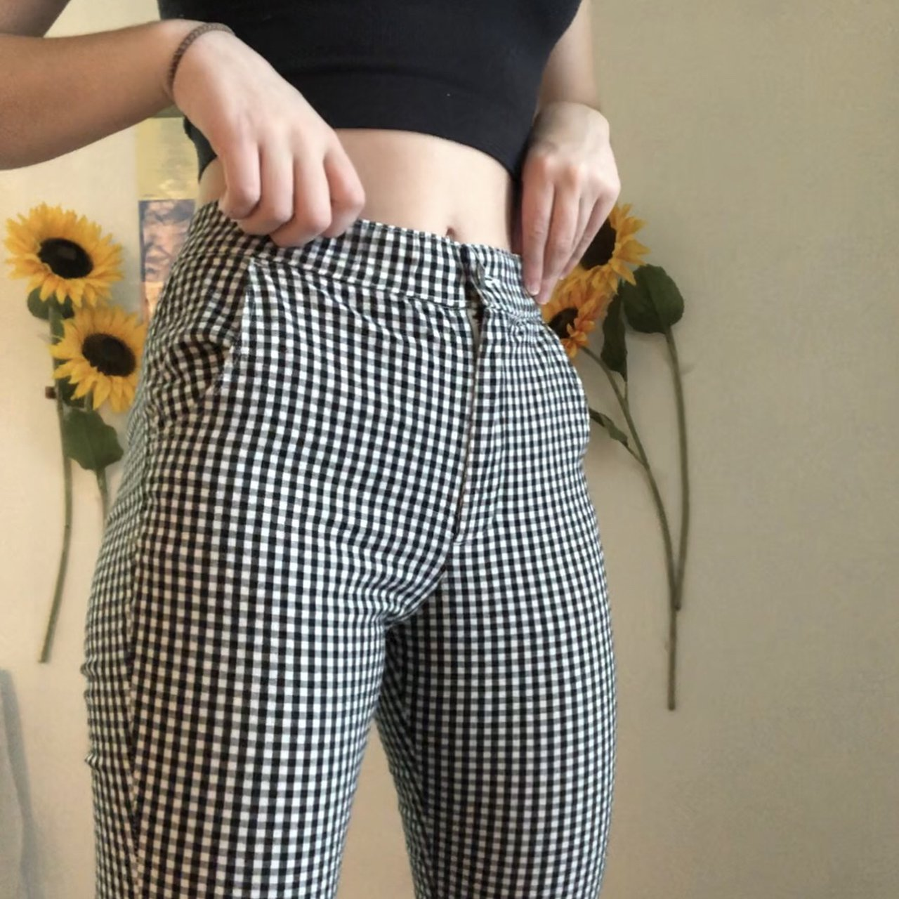 8a146c4eb4 🔲CROPPED GINGHAM PANTS🔳 super comfortable hollister pants! - Depop
