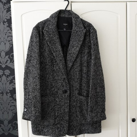 8ecaad675f7f Mango size Large jacket Black and grey Brand new condition - Depop