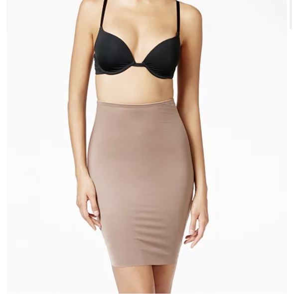 Product Image 1 - Spanx women's two timing 1/2