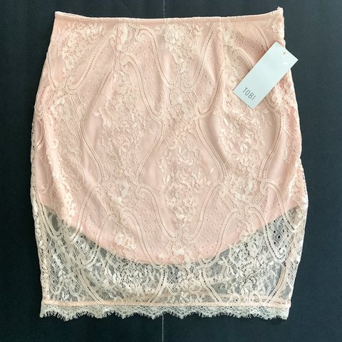 27c5cc686193ca Tobi Peach Lace Skirt •New With Tags •Hits mid thigh pink - Depop
