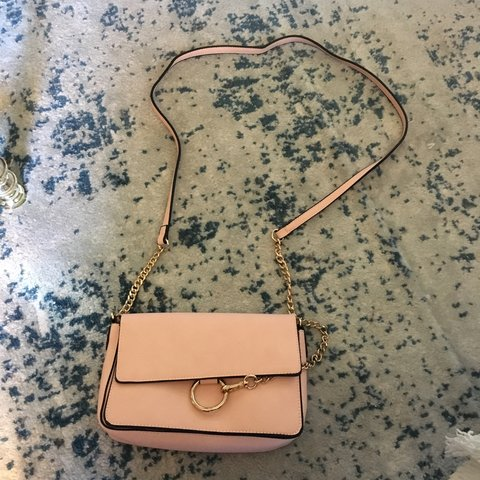 6458e4d00f Cute pink shoulder bag. Pink and purple on the inside. Brand - Depop