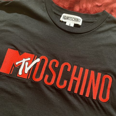 a16918c568890 💿 Moschino x H&M 'Moschino MTV' T-Shirt 💿 This is part of - Depop